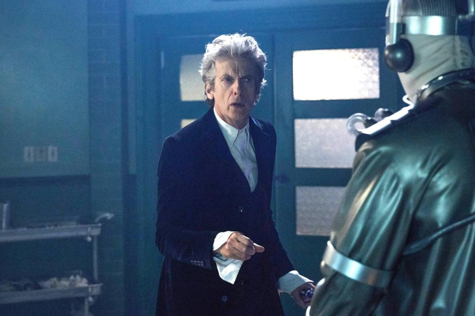 'Doctor Who' 10×11 Recap: The Gravity of the Situation