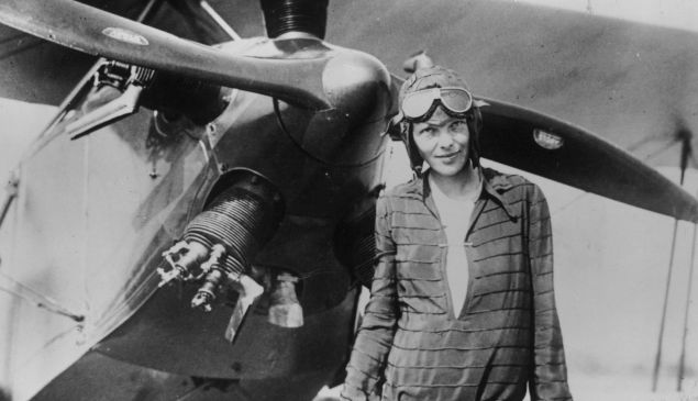 A tunic, plus that iconic cap and glasses prove that Earhart was most definitely a fashion icon.