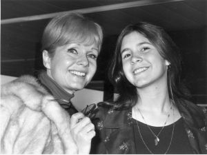 American actress Debbie Reynolds with her daughter Carrie Fisher in 1972.