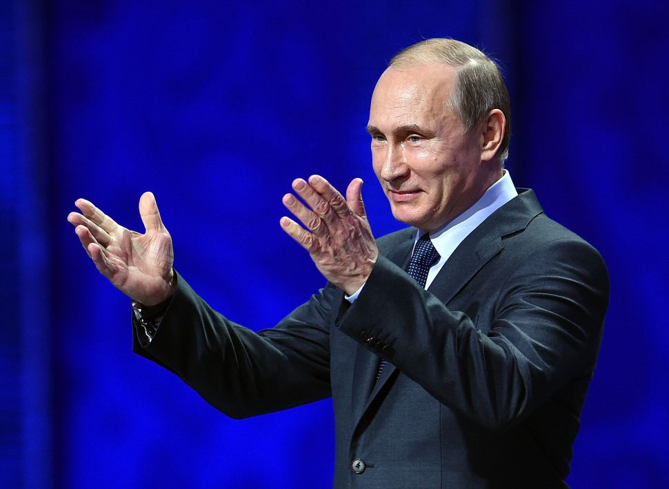 Emboldened at Home, Putin Enters New Term Vexed by US and EU Counter-Efforts