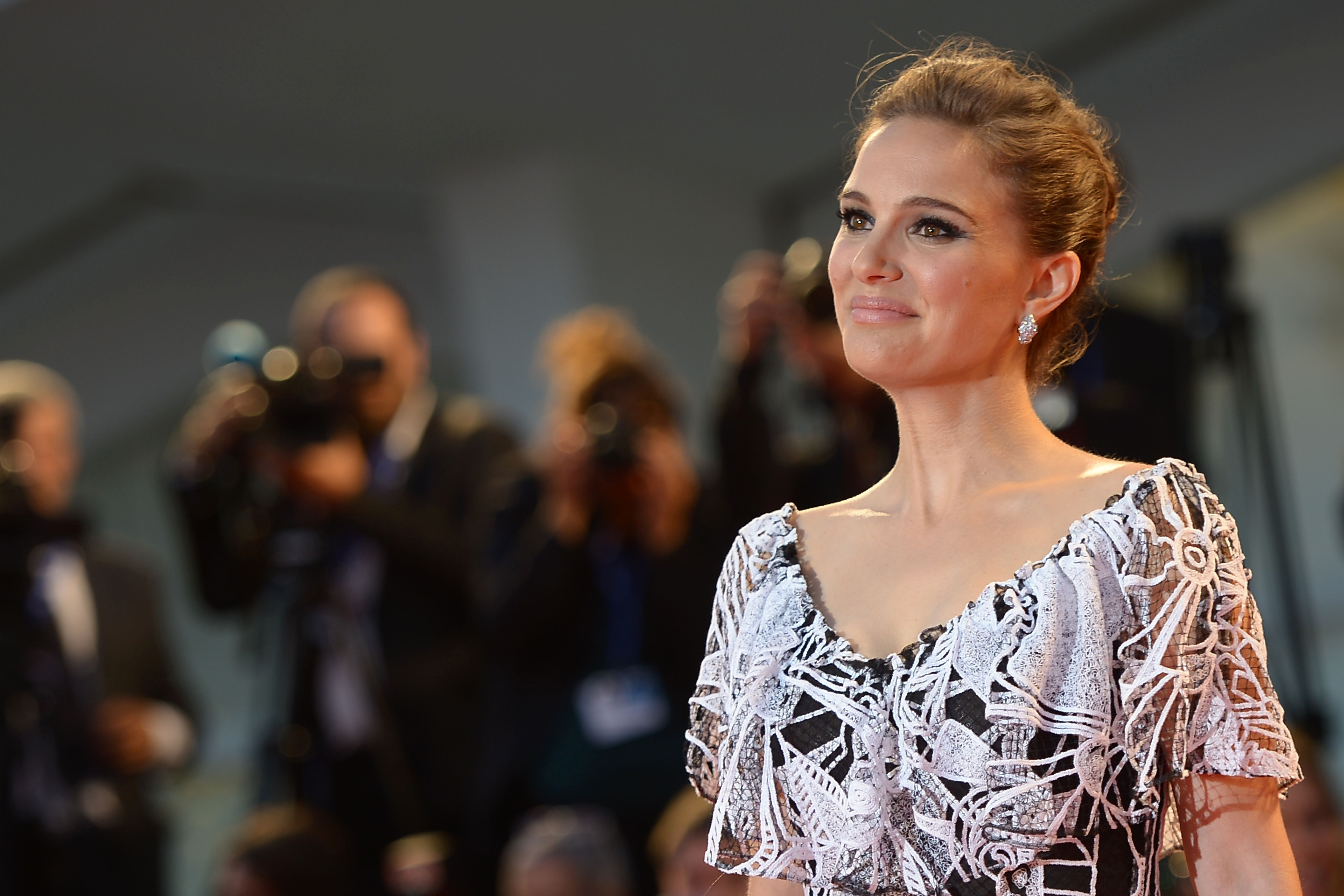 Natalie Portman Buys Home In Montecito Observer