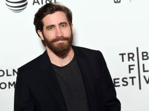 Jake Jake Gyllenhaal attends the Premiere of 'Hondros' during the 2017 Tribeca Film Festival at SVA Theater on April 21, 2017 in New York City. / AFP PHOTO / ANGELA WEISS (Photo credit should read ANGELA WEISS/AFP/Getty Images)