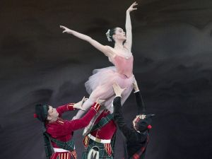 School of American Ballet 2017 Workshop performance of Scotch Symphony, with Mira Nadon with Davide Riccardo (in black) and Gilbert Bolden (in kilt).