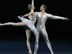 Diamonds with Alyona Kovalyova and Jacopo Tissi.