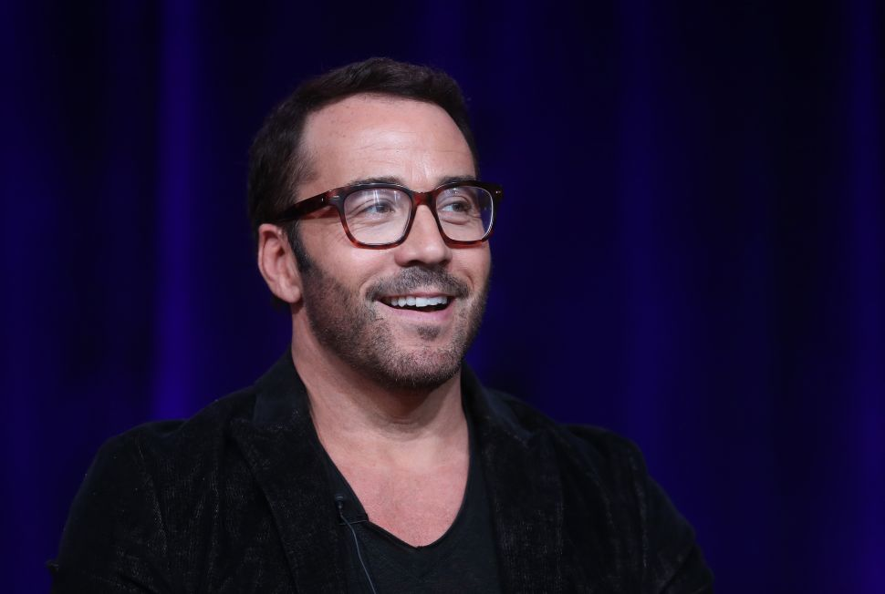 Jeremy Piven Is Moving to This Glassy Bachelor Pad