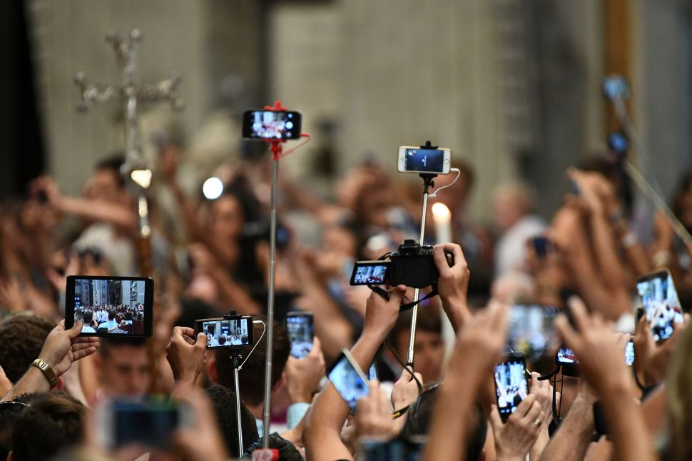 This Italian City Is Banning Selfie Sticks Because of Annoying Tourists