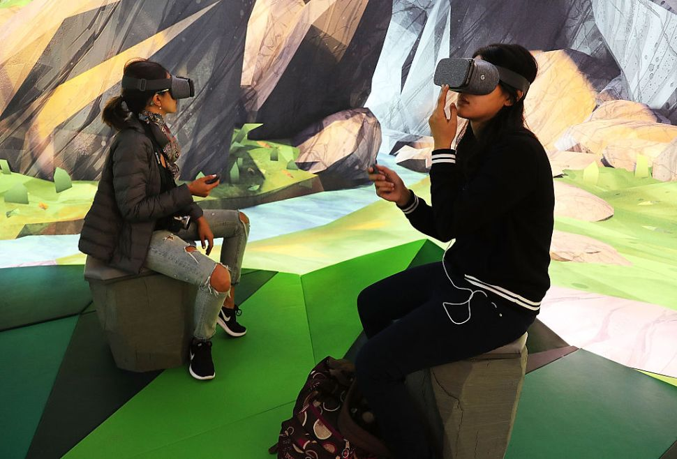 Here's How Google's New VR Blocks App Differs From Tilt Brush
