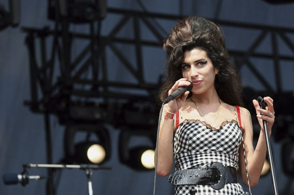 Amy Winehouse's Father Pays Tribute to Late Singer 6 Years Later