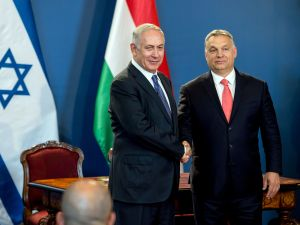 Israeli Prime Minister Benjamin Netanyahu and his Hungarian counterpart Viktor Orban on July 18, 2017.