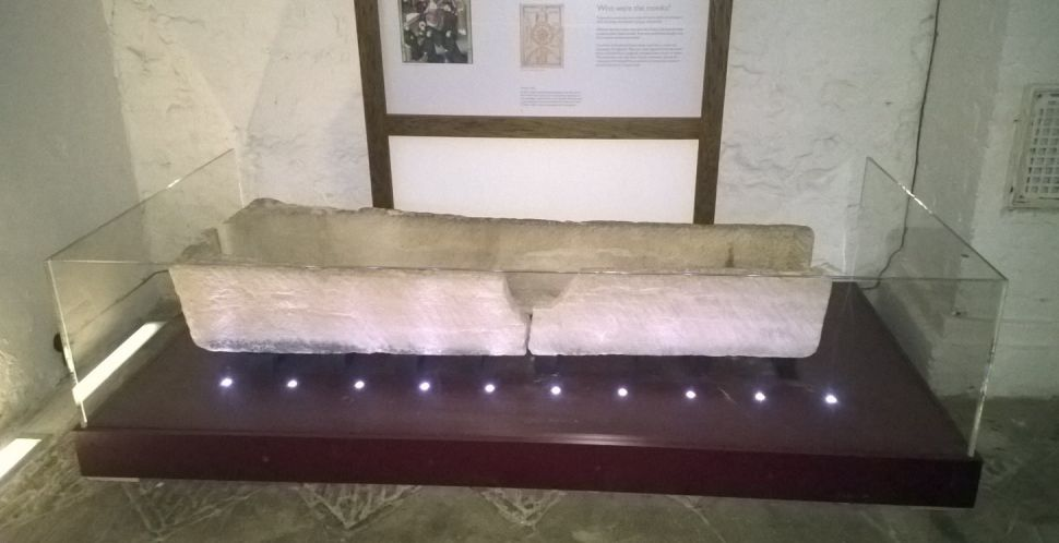 Tourists Break 800-Year-Old Coffin Posing Child for a Photo