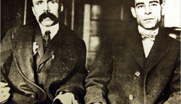 Bartolomeo Vanzetti (left), handcuffed to Nicola Sacco, 1923.