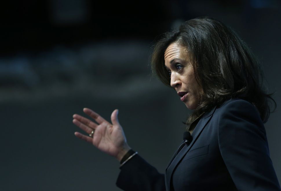 Clinton Cult Lines Up Behind Kamala Harris