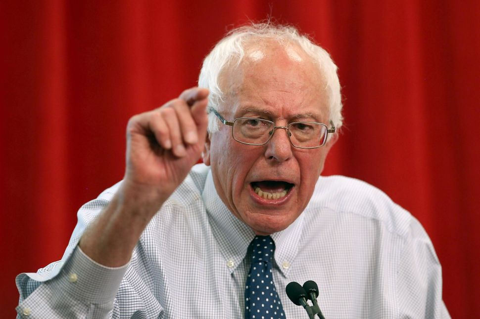 Bernie Sanders Goes Off on Mainstream Media: 'The Emperor, in Fact, Has No Clothes'