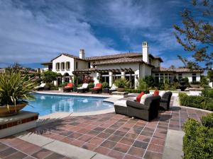 Justin Bieber sold his starter mansion to Khloe Kardashian in 2014.