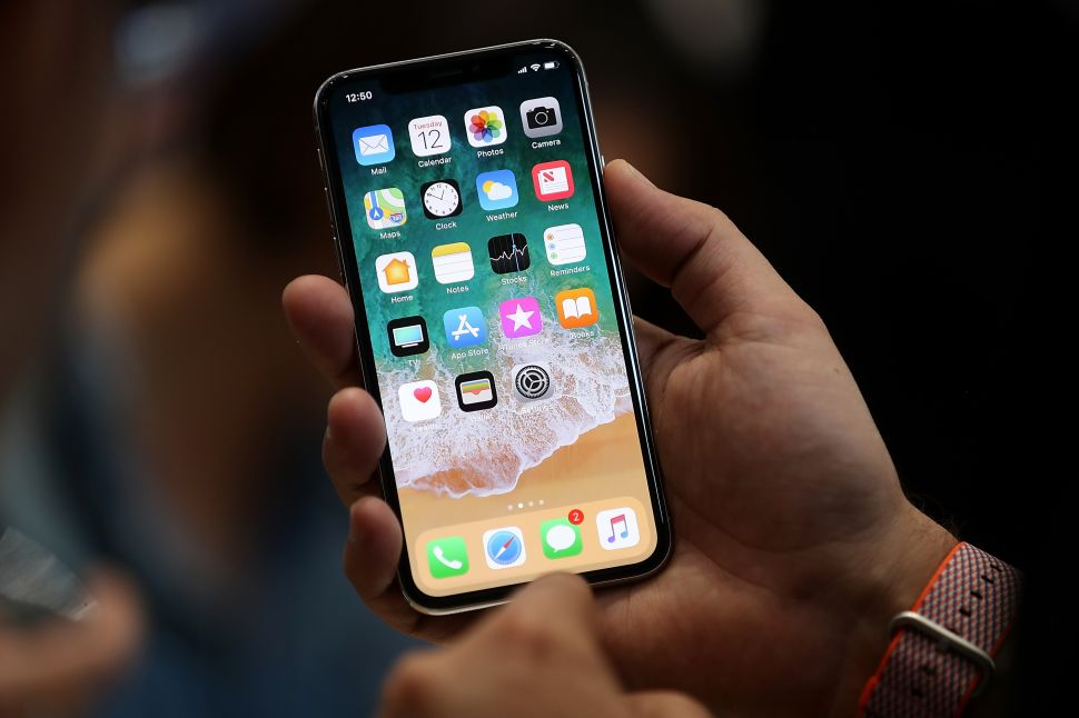 Apple's iPhone X Is the Beginning of the End for Smartphones
