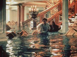 "377241 01: 1997 Leonardo DiCaprio and Kate Winslet in James Cameron's ""Titanic."""