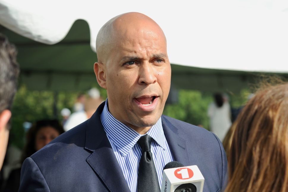 After Times Square Explosion, Booker Calls for More Rail Security Officers