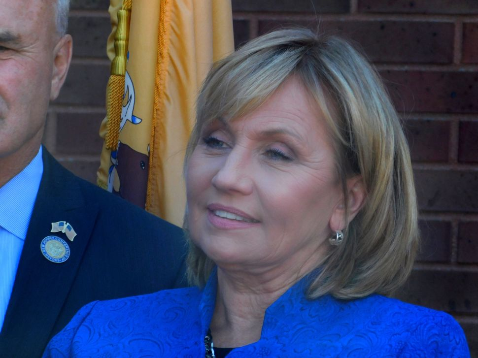 Trailing in Fundraising, Guadagno Needles Murphy and Obama