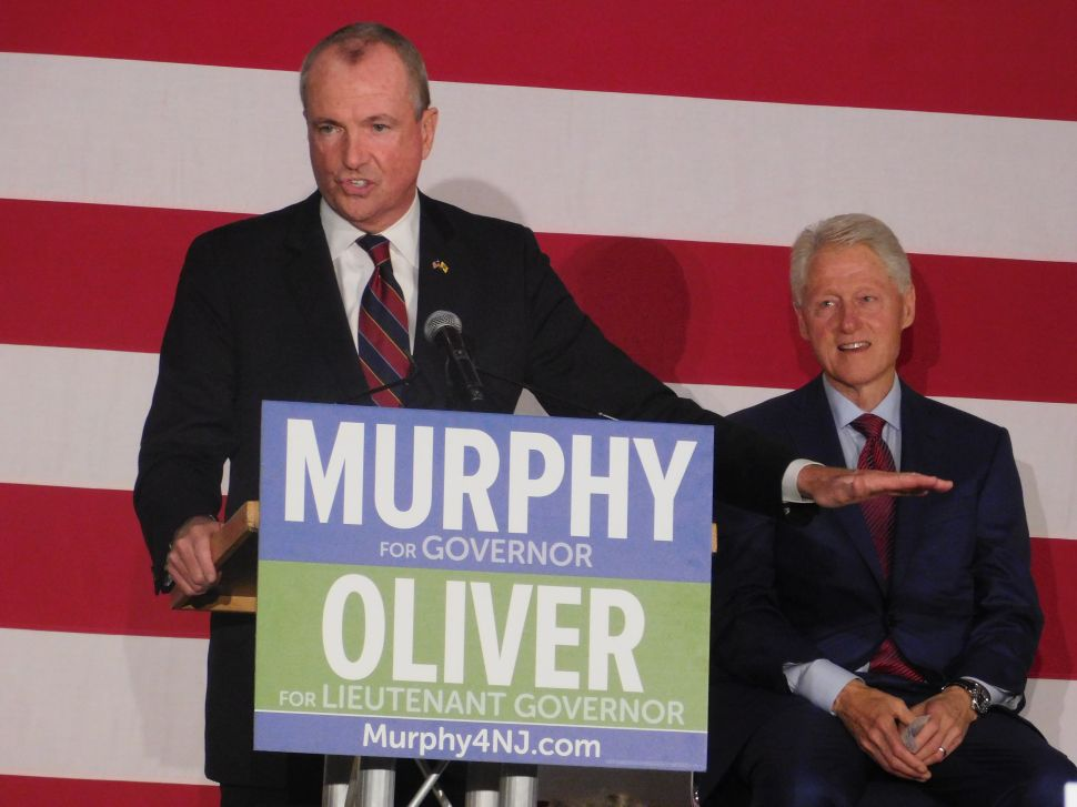 Bill Clinton Stumps for Murphy, Alluding to Bridgegate