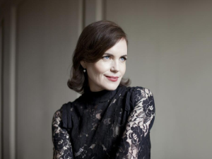 Elizabeth McGovern returns to Broadway after decades spent on the silver screen.