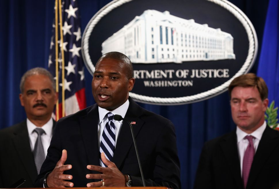 As Lawsuits Mount, Uber Appoints Chief Legal Officer From Obama Justice Department