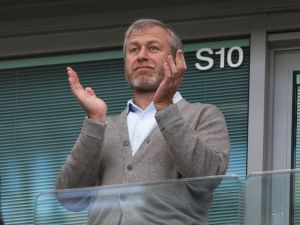 Roman Abramovich is making a few edits to his megamansion.