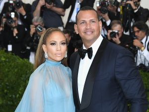 Jennifer Lopez and Alex Rodriguez might be moving to 432 Park Avenue.