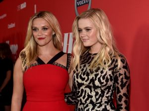 """ctor Reese Witherspoon (L) and Ava Phillippe attend the premiere of Open Road Films' """"Home Again"""" at the Directors Guild of America on August 29, 2017 in Los Angeles, California. (Photo by Alberto E. Rodriguez/Getty Images)"""