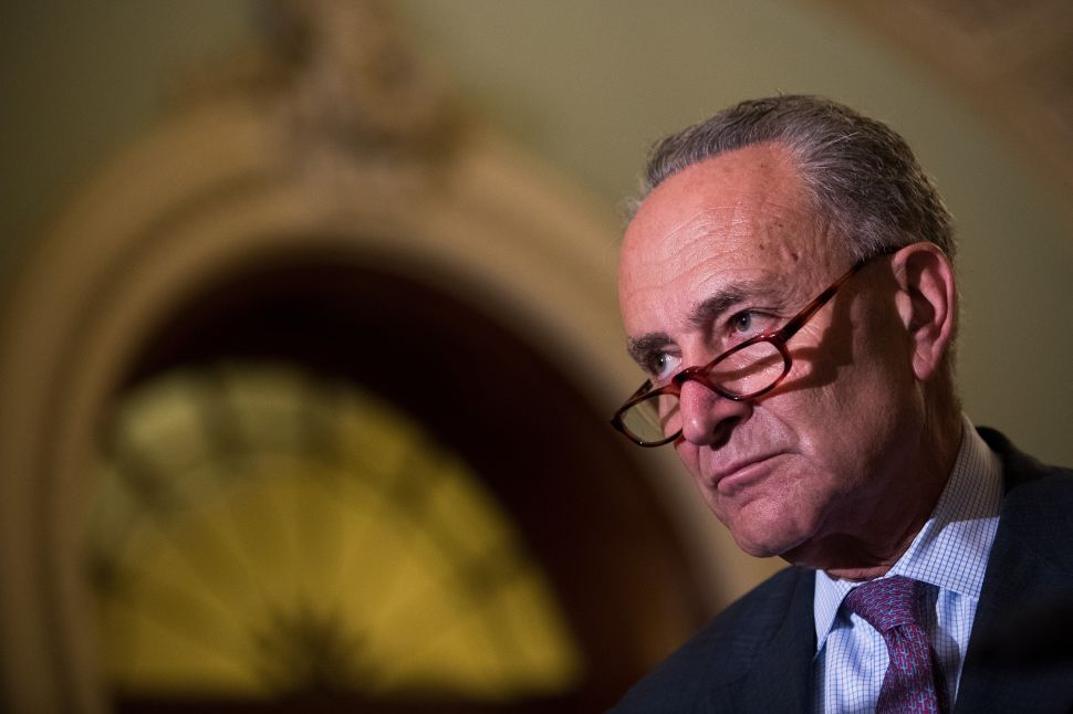 Citing Health Concerns, Schumer Declares Battle on 'New Age E-Cig Devices'