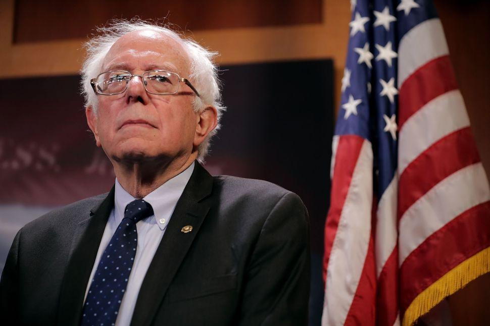 As Donald Trump's Popularity Dwindles, Bernie Sanders' Surges