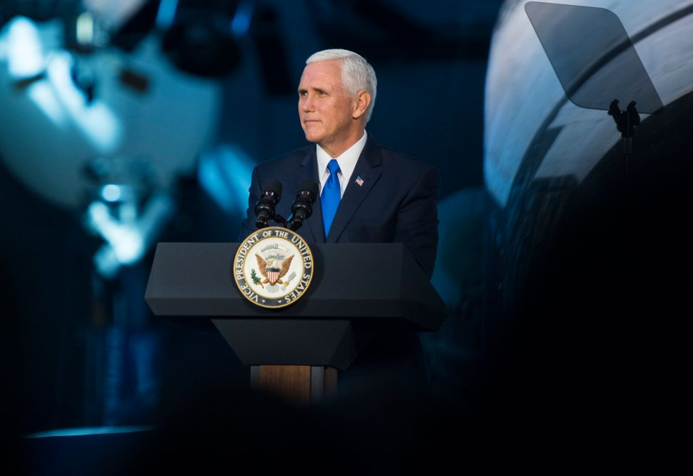 ISIS, Iran and Arab-Israeli Conflict Top Pence's Agenda for Middle East Trip