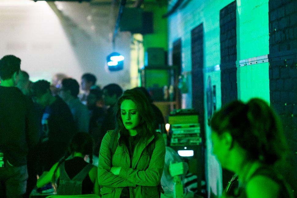 'Mr. Robot' Star Carly Chaikin Talks Season 3 and Navigating Dark Times