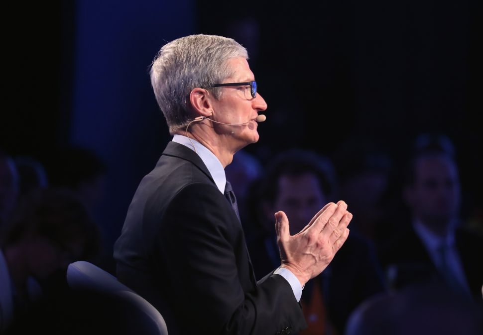 Apple Strong on All Fronts, Tim Cook Vague on iPhone Specifics