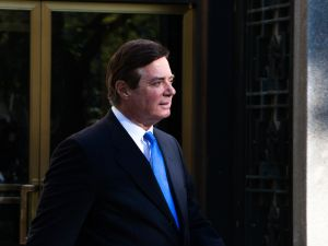 Former Trump Campaign Chairman Paul Manafort leaves federal court on October 30, 2017 in Washington, D.C.