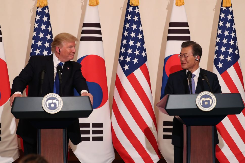 Trump and South Korean President Present Unified Front Against North Korea