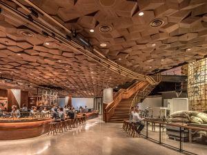 Starbucks' new Shanghai store is 30,000 square feet.