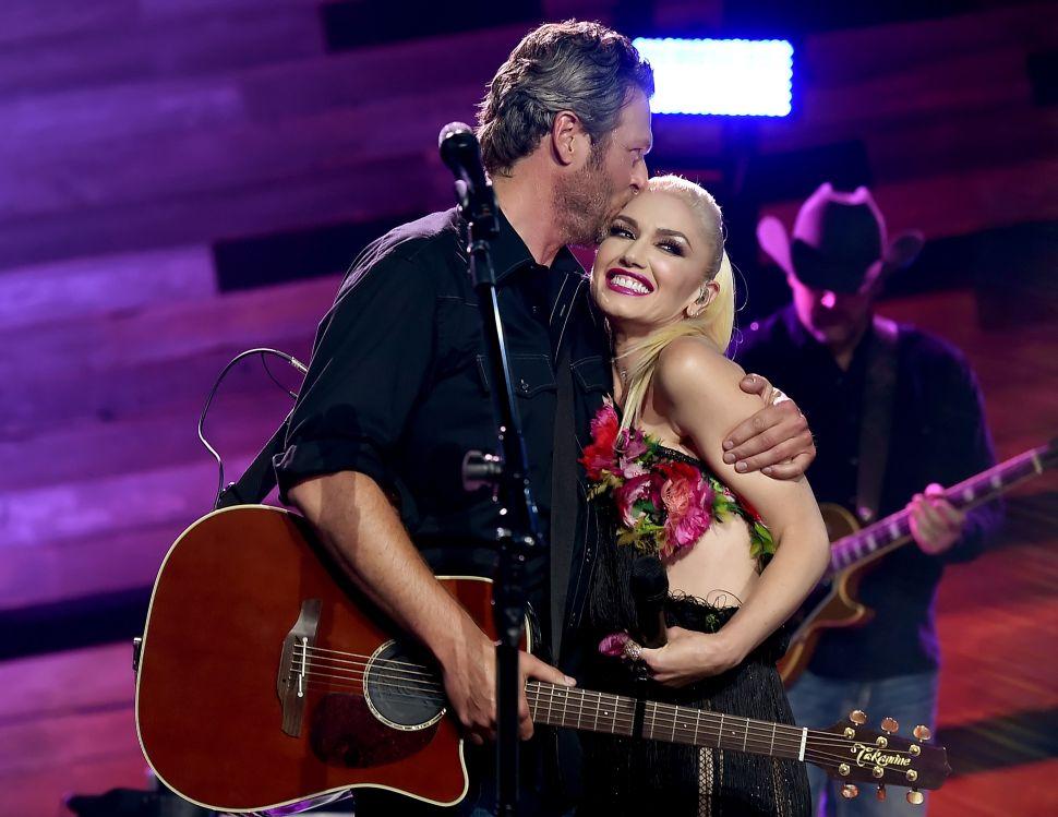Gwen Stefani and Blake Shelton Don't Speak
