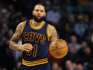 Deron Williams is still trying to sell his lavish Tribeca penthouse.
