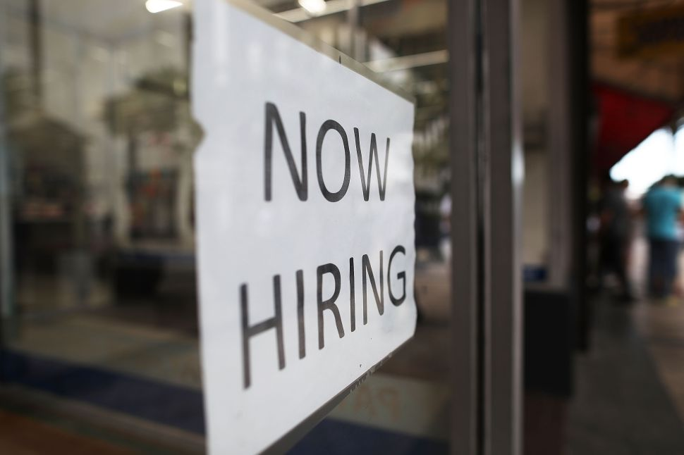 Unemployment Rate Steady at 4.1 Percent in November, Wage Growth Sluggish