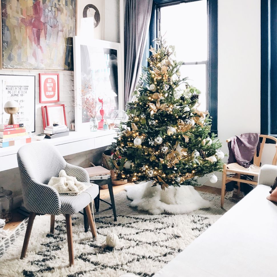 Let Holiday Workroom Deliver and Decorate Your Quintessential Christmas Tree