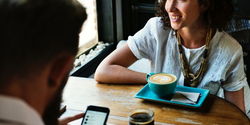 Are Dating Apps Actually Useful for Professional Networking?