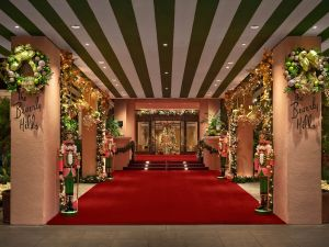The iconic Beverly Hills Hotel is known for its glamorous holiday décor. Click through to see how the hotel and the city transforms for the holidays.