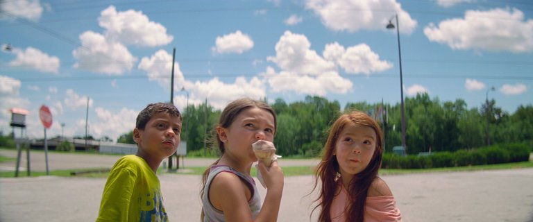 'The Florida Project' Director on Breakout 7-Year-Old Star Brooklynn Prince