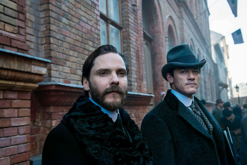 'The Alienist' Star Daniel Brühl Sheds Light on TNT's New Drama