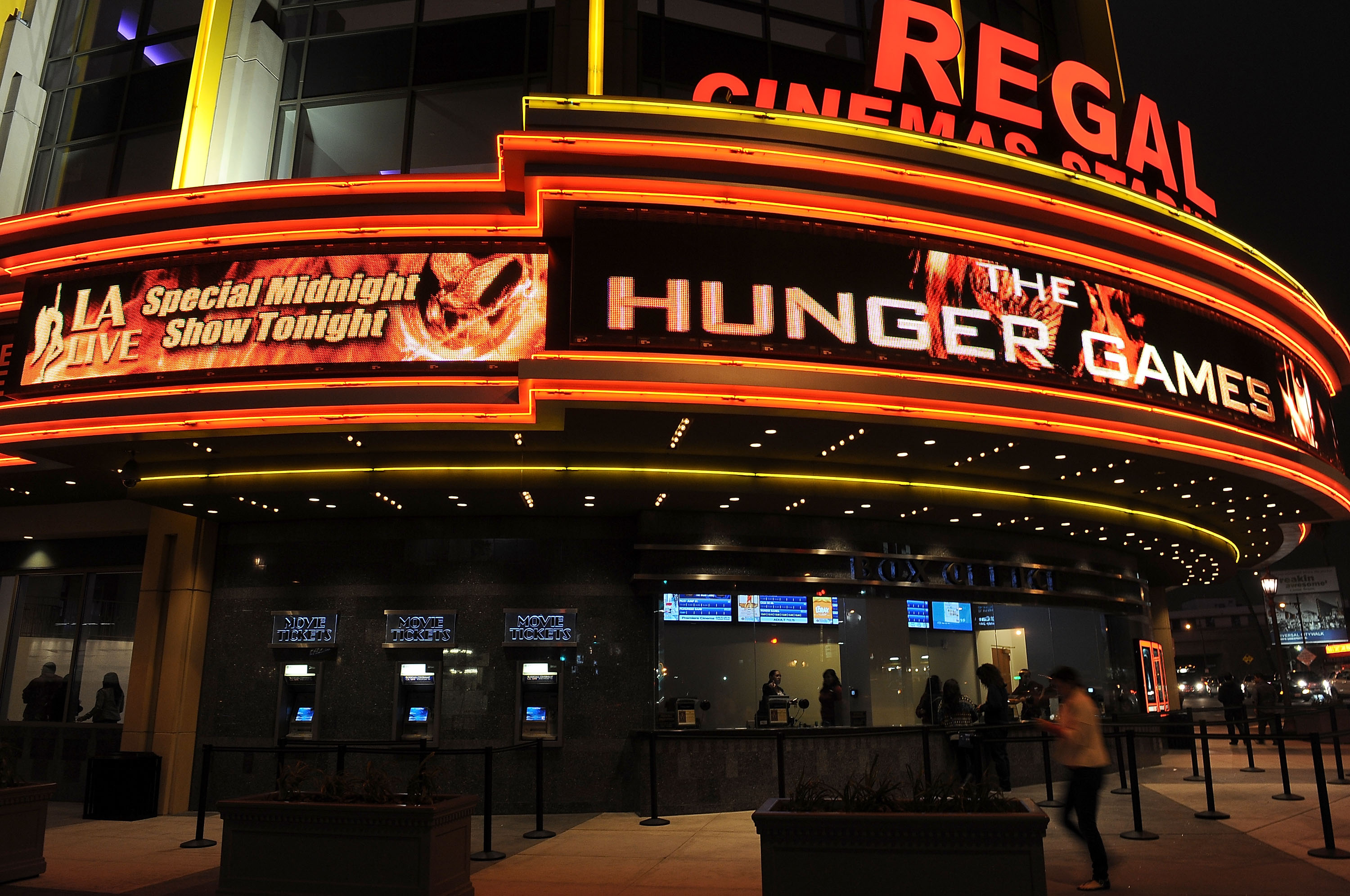 Movie theater owners make case to reopen in NY   Top Story