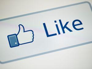 Facebook Watch Netfliz Amaon Hulu Apple