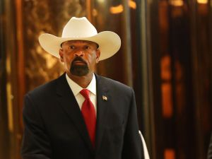 Former Milwaukee County Sheriff David Clarke leaves Trump Tower on November 28, 2016 in New York City.