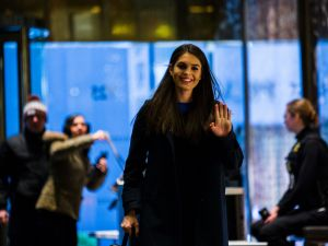 Communications Director Hope Hicks arrives at Trump Tower for meetings with President-elect Donald Trump on January 2, 2017 in New York. / AFP / Eduardo Munoz Alvarez (Photo credit should read )