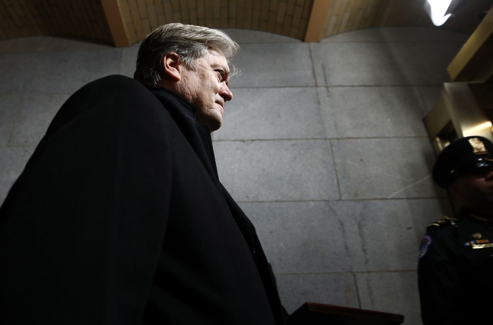 Bannon to Testify Before House Intelligence Committee in Russia Probe