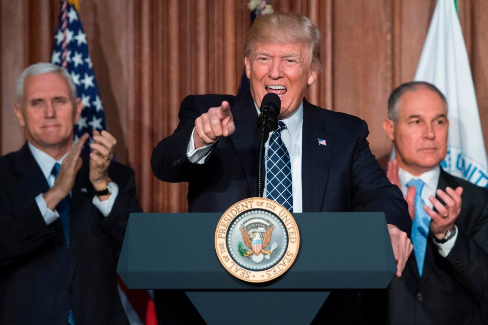 Trump Dismantled Environmental Institutions During Record Hot Year